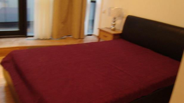 Bedroom1_2_21